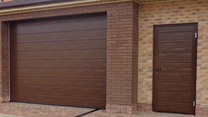 Боковые Гаражные двери - в одном стиле с воротами